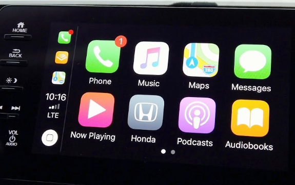 You won't miss a thing with these best Apple CarPlay Apps
