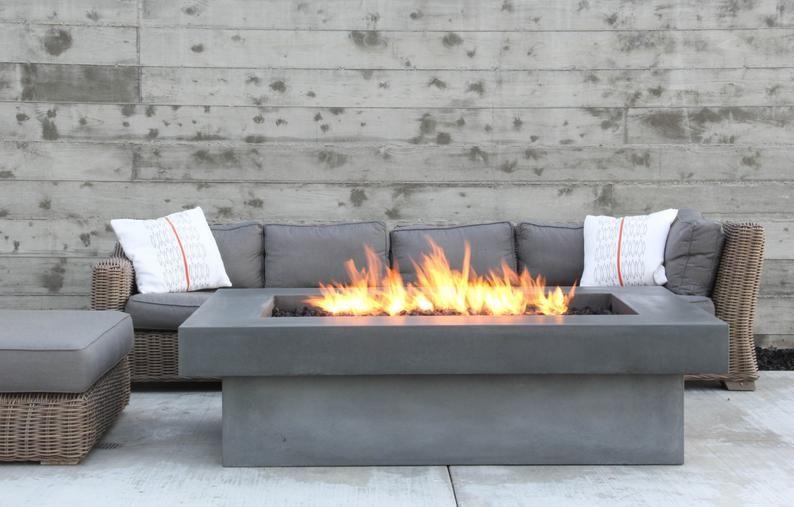 Olson Feuer Tisch Beton Feuerstelle Etsy In 2020 Backyard Fire Fire Pit Backyard Fire Pit Seating