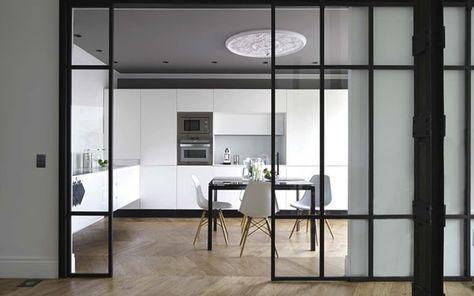 Cocinas con cerramientos de cristal house puertas de for Puerta cocina industrial