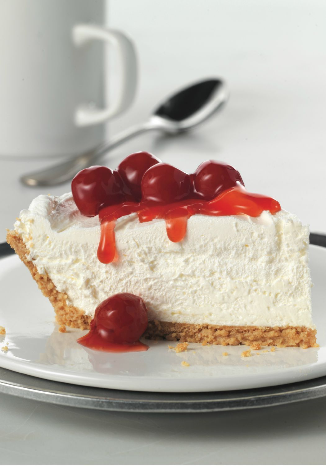 Fluffy Cheesecake This No Bake Cherry Topped Cheesecake Recipe Gets Its Amazing Height From Cool Whip Whipped Topping Fluffy Y Fluffy Cheesecake Dessert Recipes Cheesecake Recipes