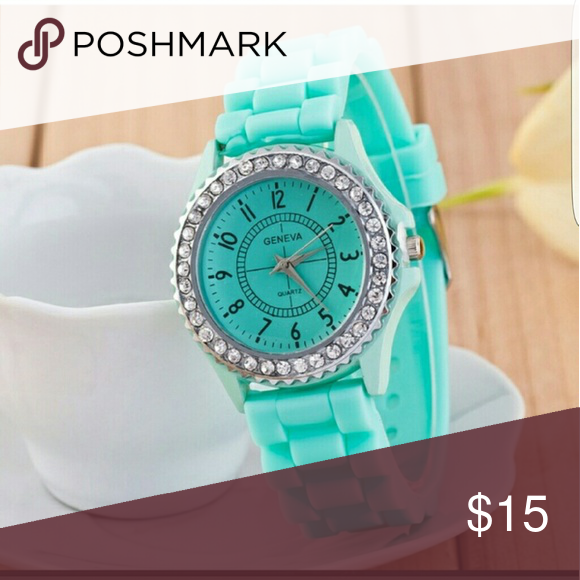 Fashion Crystal MINT Cream Watch Quartz Watch Fashion Crystal Cream Wrist Watch Quartz Watches For  Women Jewelry