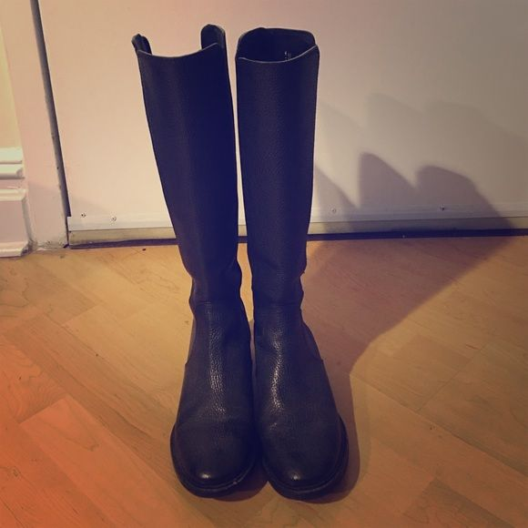 Tory Burch black leather riding boots Hardly worn Tory Burch riding boots - a total classic! Tory Burch Shoes Winter & Rain Boots
