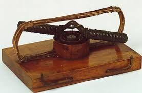Dit was de eerste elektromotor. deze was gemaakt zodat de stoommachine vervangen kon worden. invloed: er was minder ruimte nodig voor een machine.  wilt u meer informatie dan verwijs ik u hier heen: http://www.sciencespace.nl/article/view.do?supportId=3120