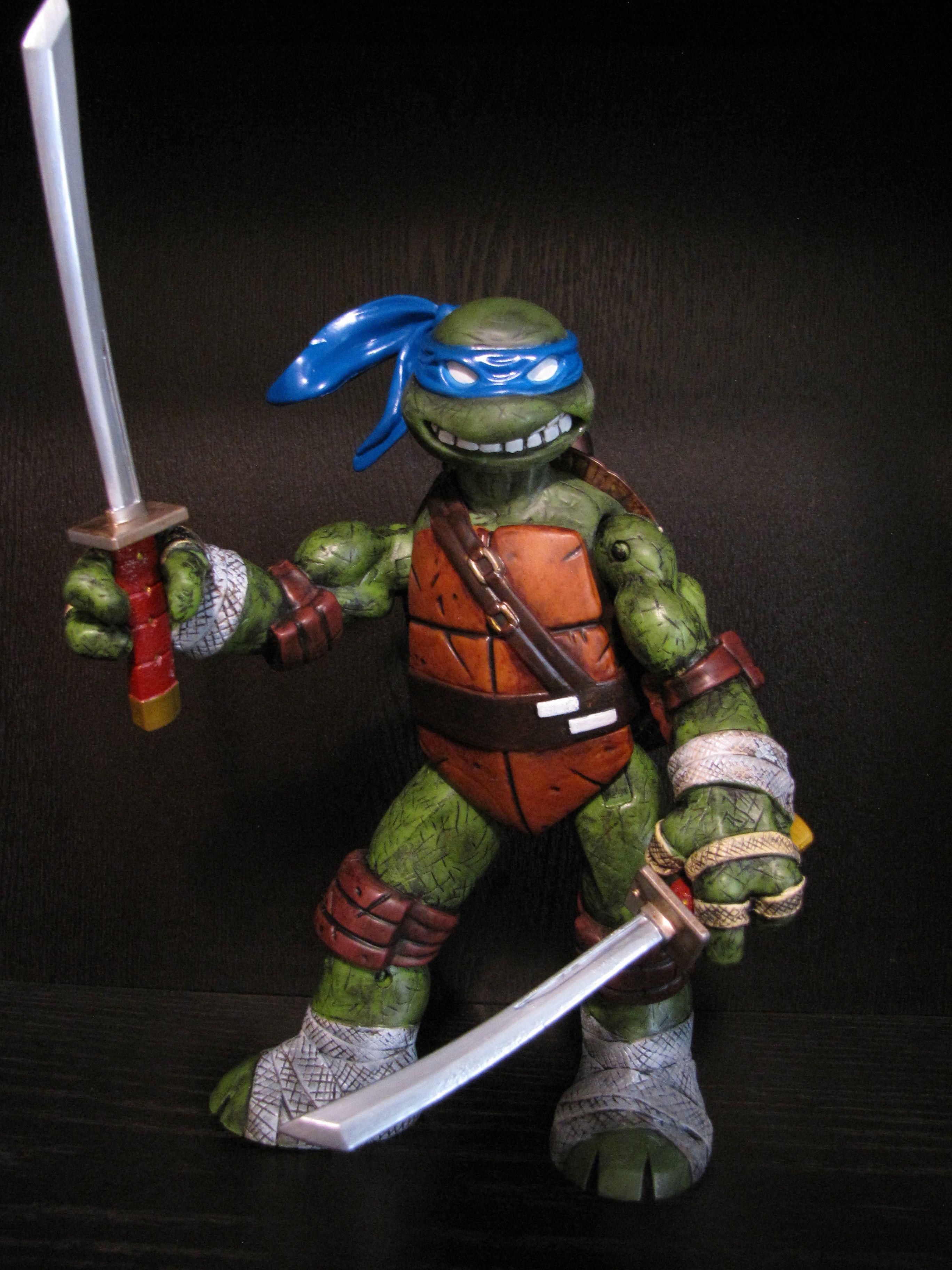 Teenage Mutant Ninja Turtles Leonardo Custom Battle Shell Tmnt
