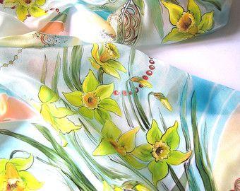 Seta sciarpa dipinta a mano sciarpa sciarpa di seta blu dipinto a mano sciarpe di seta Daffodils sciarpa di seta Batik seta sciarpa di seta Scarf.Summer seta primavera.