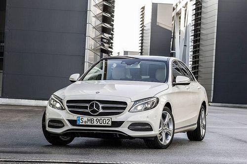 Mercedes-Benz C 220 BlueTEC, Avantgarde, Diamantweiss metallic, Leder Seidenbeige, Zierelemente Aluminium, (W205)