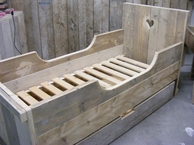Juniorbed steigerhout meisjes 1370150160jbm bed voor een matras maat van 70x150cm bij lade - Houten bed ...