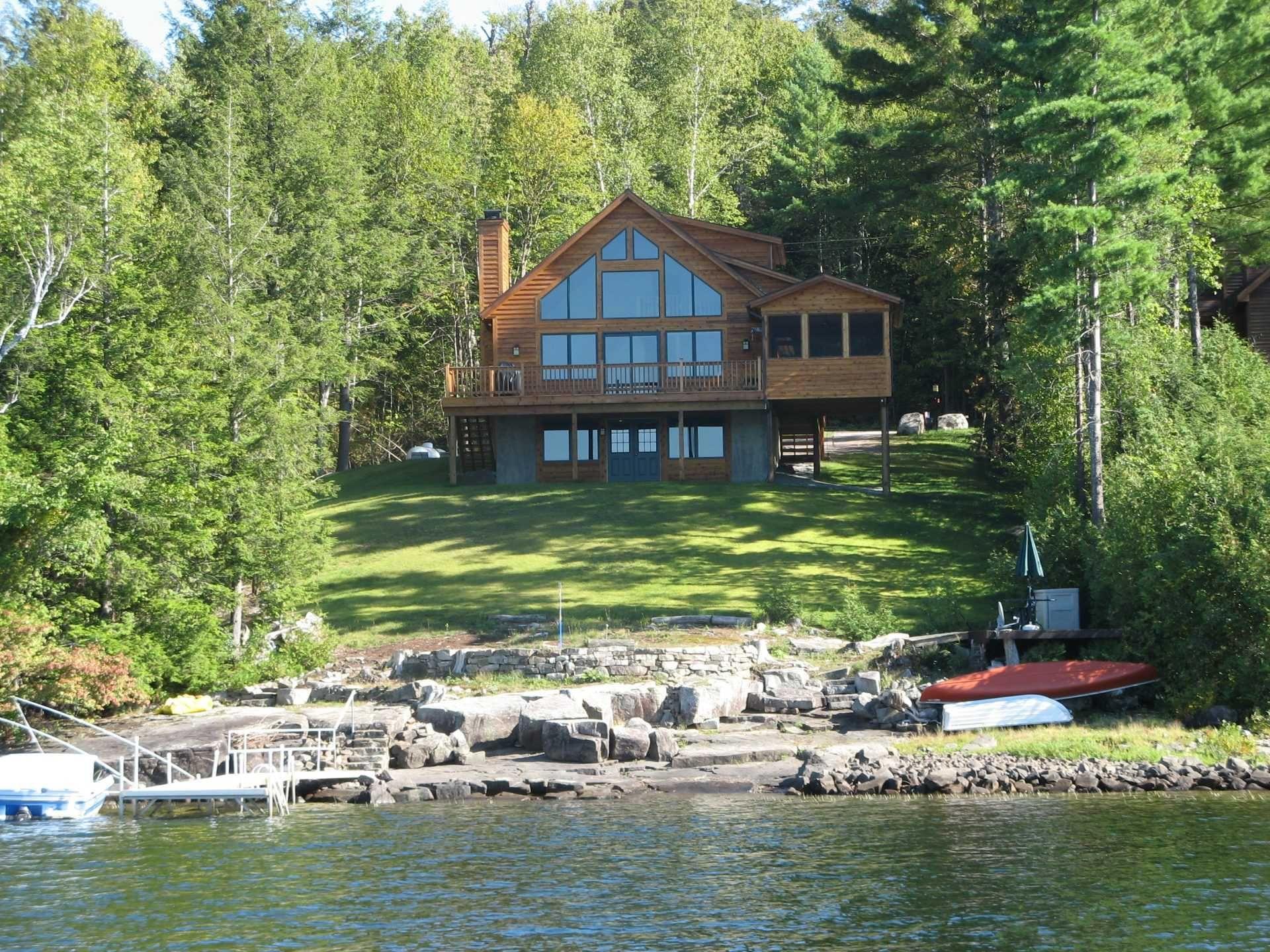 Pin By Renata Daniel On Lake House Designs Lakefront Homes Backyard Luxury Log Cabins