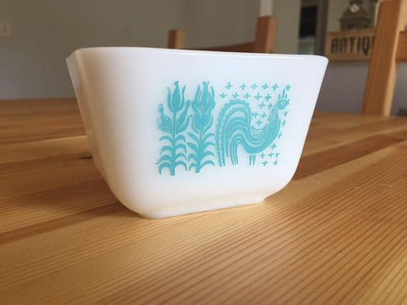 Vintage 1950 S Pyrex Butterprint Amish Blue 501 B 1 1 2 Cup Fridgie Rooster Turquoise Refrigerator Dish Bowl W No Lid Pyrex Vintage Pyrex Milk Glass