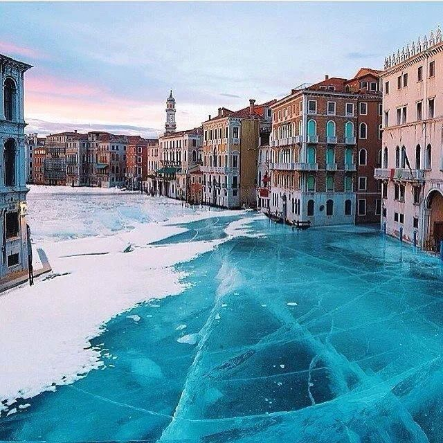 Frozen water, Venice