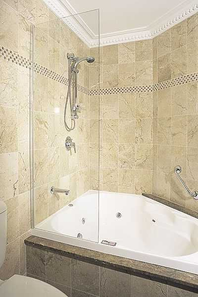 Jacuzzi tub on pinterest king bedroom jacuzzi bathroom and tub shower combo - Corner tub bathrooms design ...