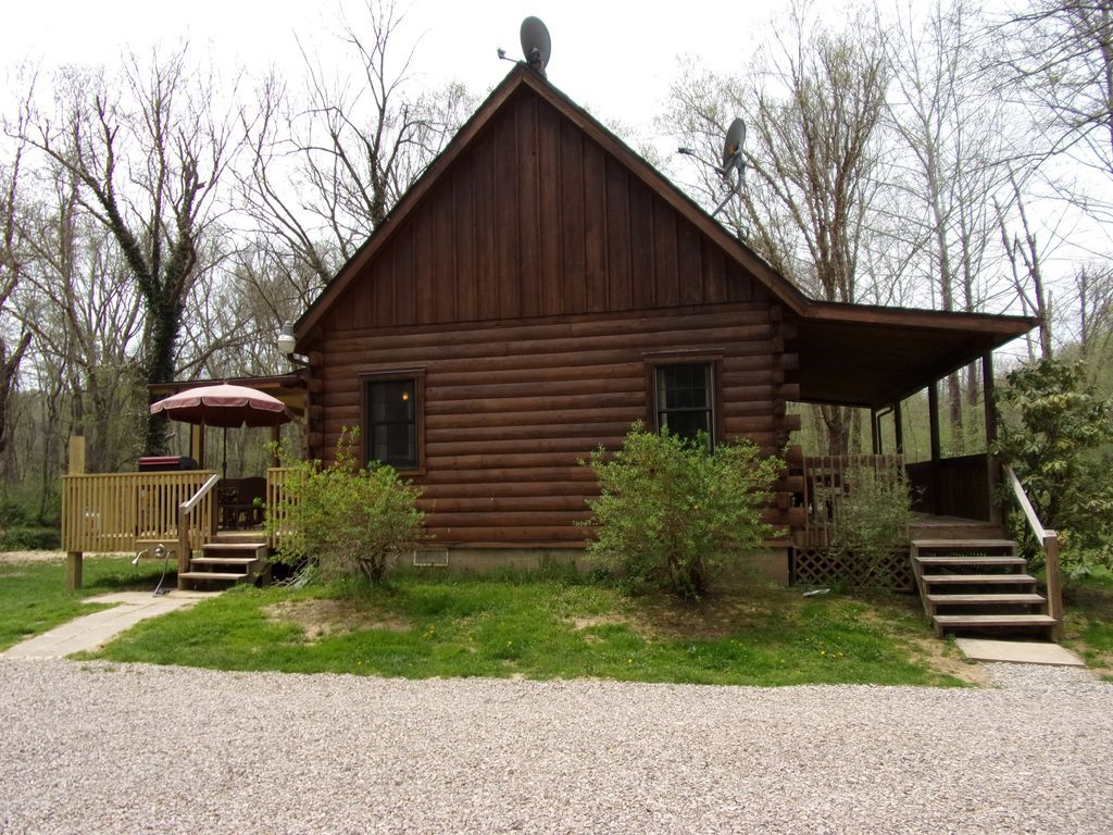 Laurelei Cottage Hocking Hills A Purposely Repurposed Pet Friendly Log Cabin In The Heart Of Hocking Hills Laurelei Cottage Is Cottage House Styles Cabin