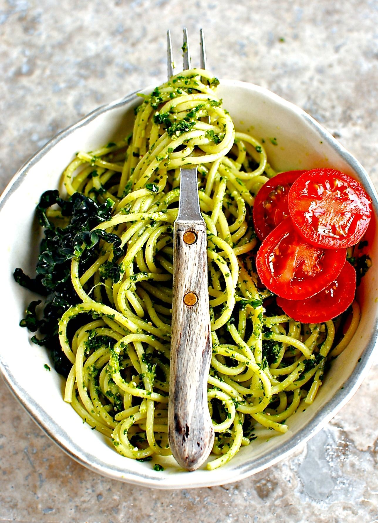 Super Green Kale and Pistachio Pesto. Vegan and Gluten-free. Recipe @foodtoglow