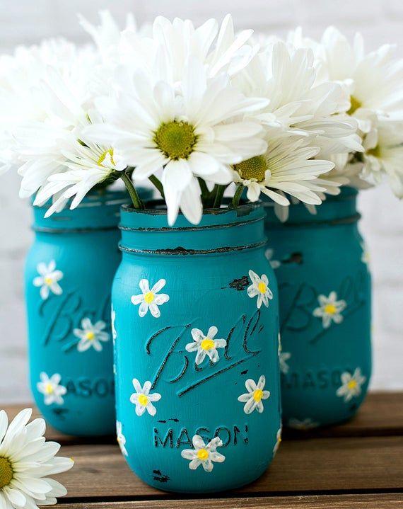 Daisy Mason Jar Set - Teal Mason Jars Painted and Distressed with Daisies #masonjardiy