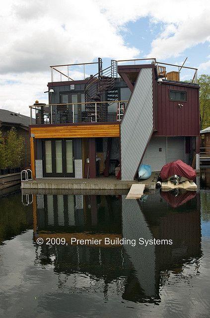 Sips Houseboat Seattle Wa Floating House House Boat Houseboat Living
