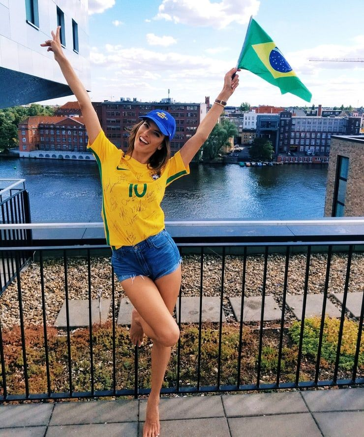 Alessandra Ambrosio Alessandra Ambrosio Brazilian Girls Hot Football Fans