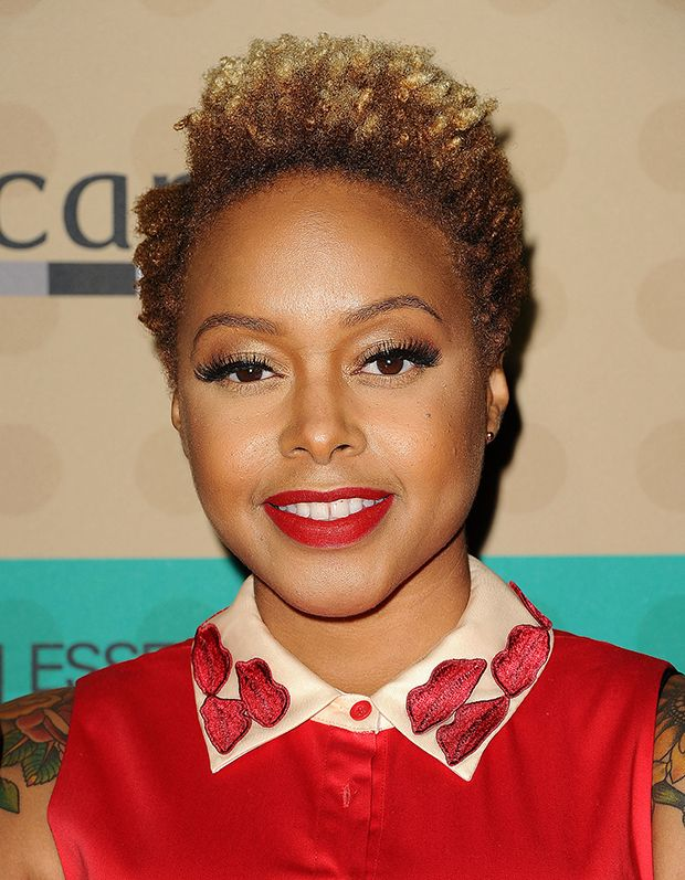Natural Hair Celebrities With Poppin Color Short Afro Hairstyles Short Natural Hair Styles Pixie Bob Hairstyles