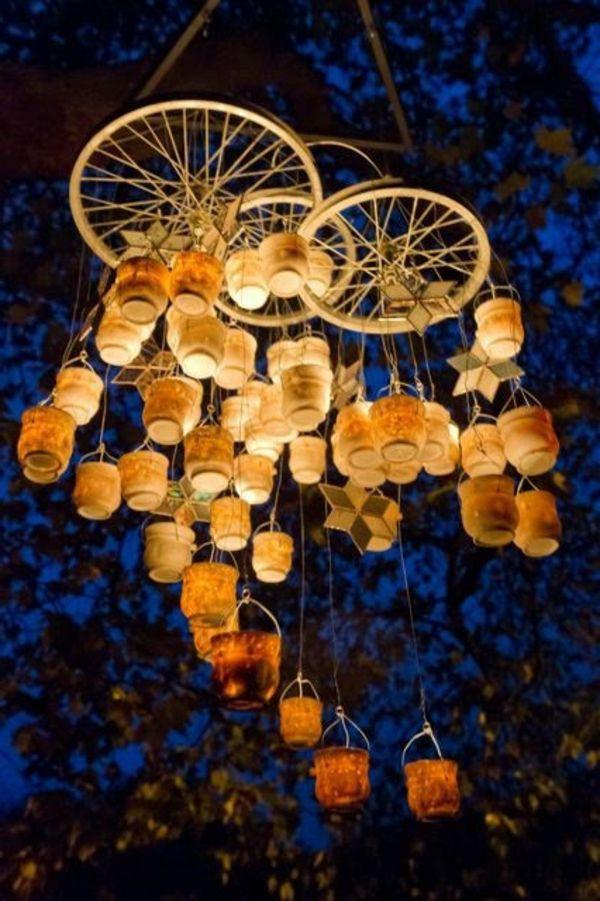 Wunderschöner Kronleuchter Mit Kerzen Im Garten Photo Booth