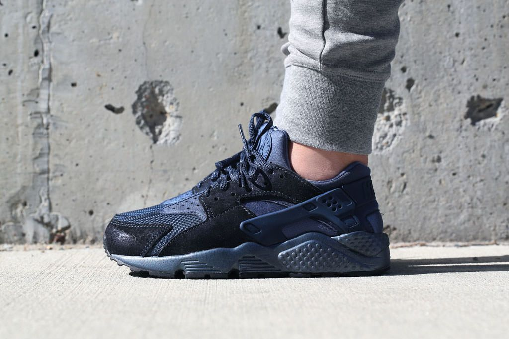 Nike Air Huarache Womens Blue Legend; This colorway of the Nike Air Huarache  features suede overlays and a tonal blue upper.