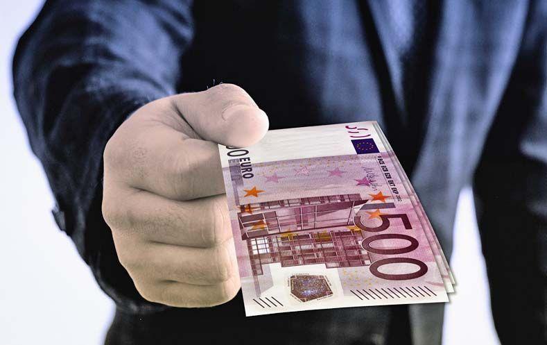 Celnik Poljskog Financijskog Regulatora Podnio Ostavku Zbog Korupcijskog Skandala Law Of Attraction Affiliate Blogging What Is The Secret