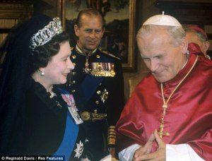 La Regina Elisabetta Ii In Visita A Roma Regina Elisabetta Elisabetta Ii Famiglie Reali