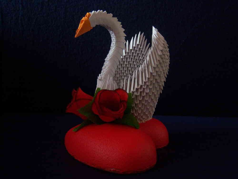 3d origami schwan auf herz pratera origami 3d origami. Black Bedroom Furniture Sets. Home Design Ideas