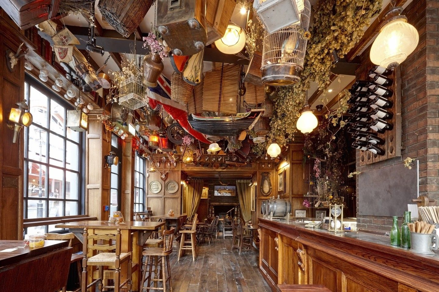 The Best Bars and Pubs in London's Covent Garden (With