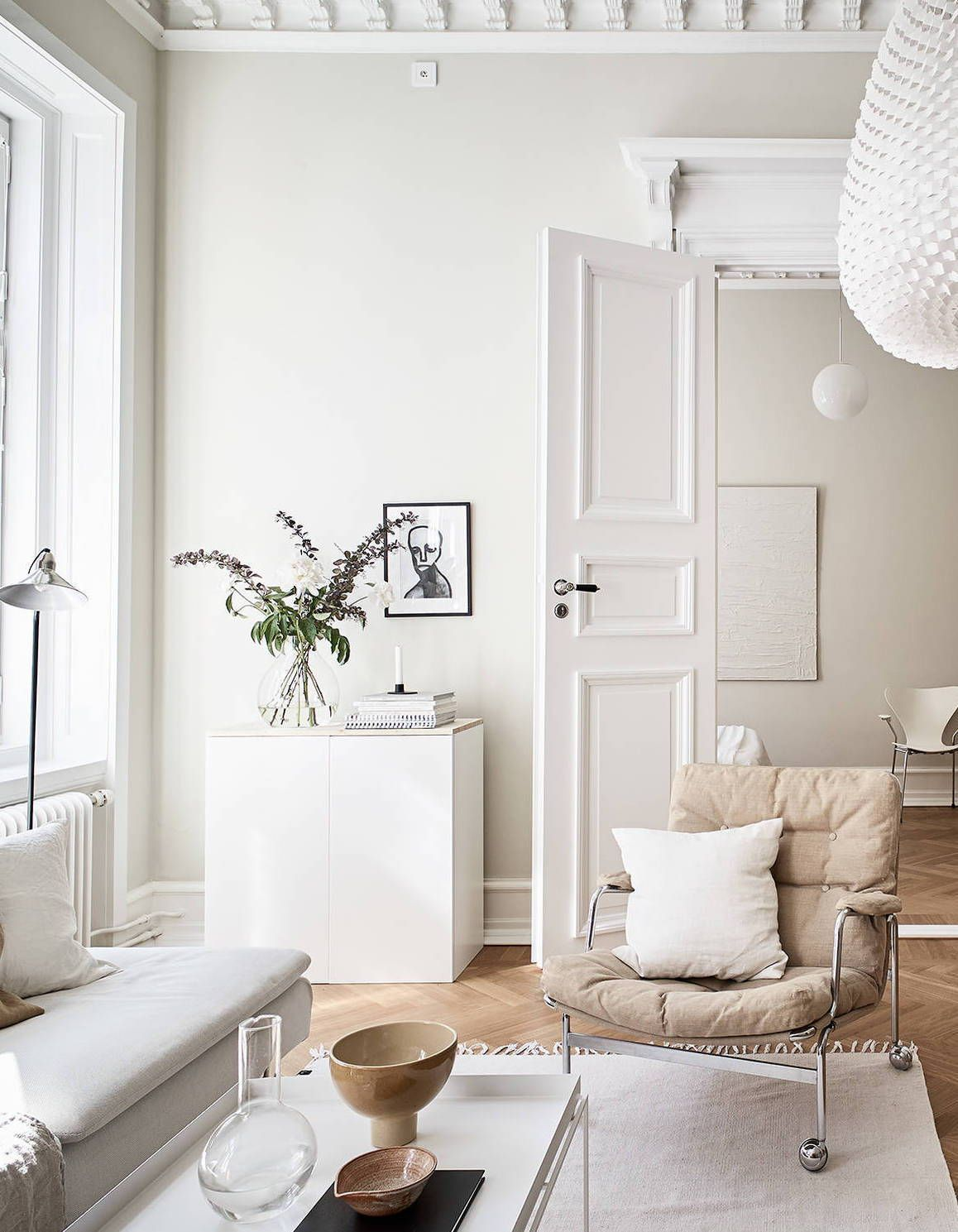 Photo of Turn of the century home in beige – COCO LAPINE DESIGN
