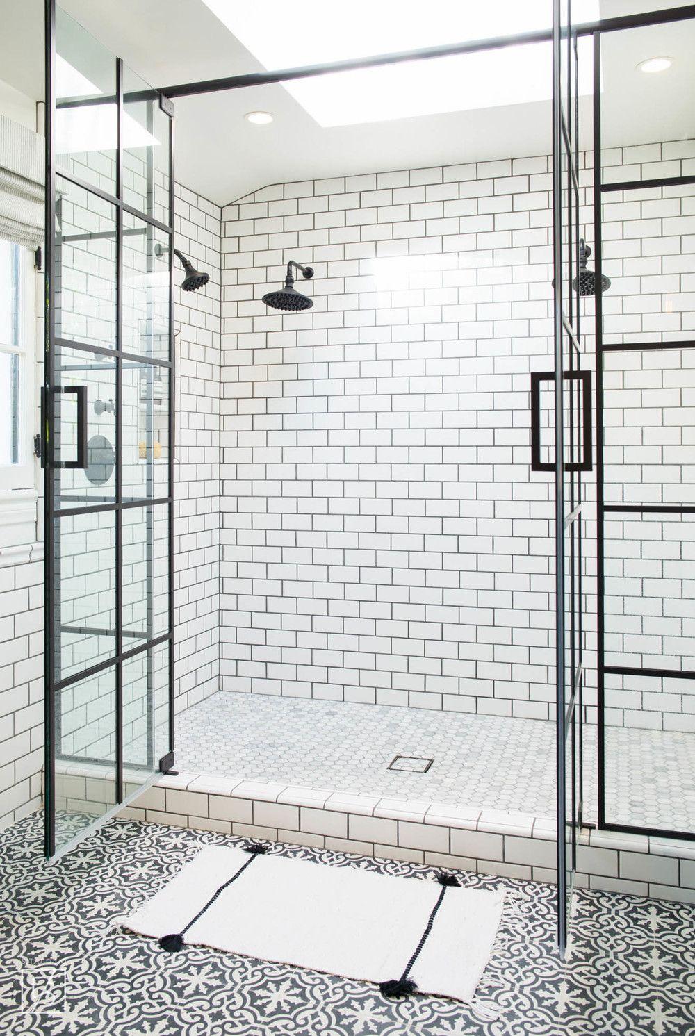 Carrelage Metro Blanc Joint Gris las palmas // decorative tile // white and black bathroom