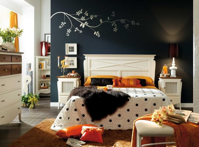 Bedroom Decorated Into Eclectic Style For Better Personal Expression