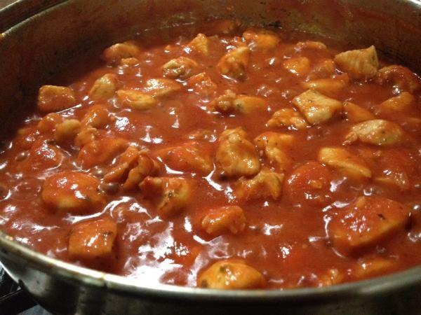 Strogonoff de Frango Delicioso http://www.receitassaborosas.com/strogonoff-de-frango-delicioso/