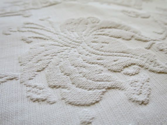 Vintage White Matelasse Table Runner 31 X 84 Inches Antique Matelasse Woven  Cotton Table Half Runner For Altar, Hallway, Library Table 100 % White  Cotton ...