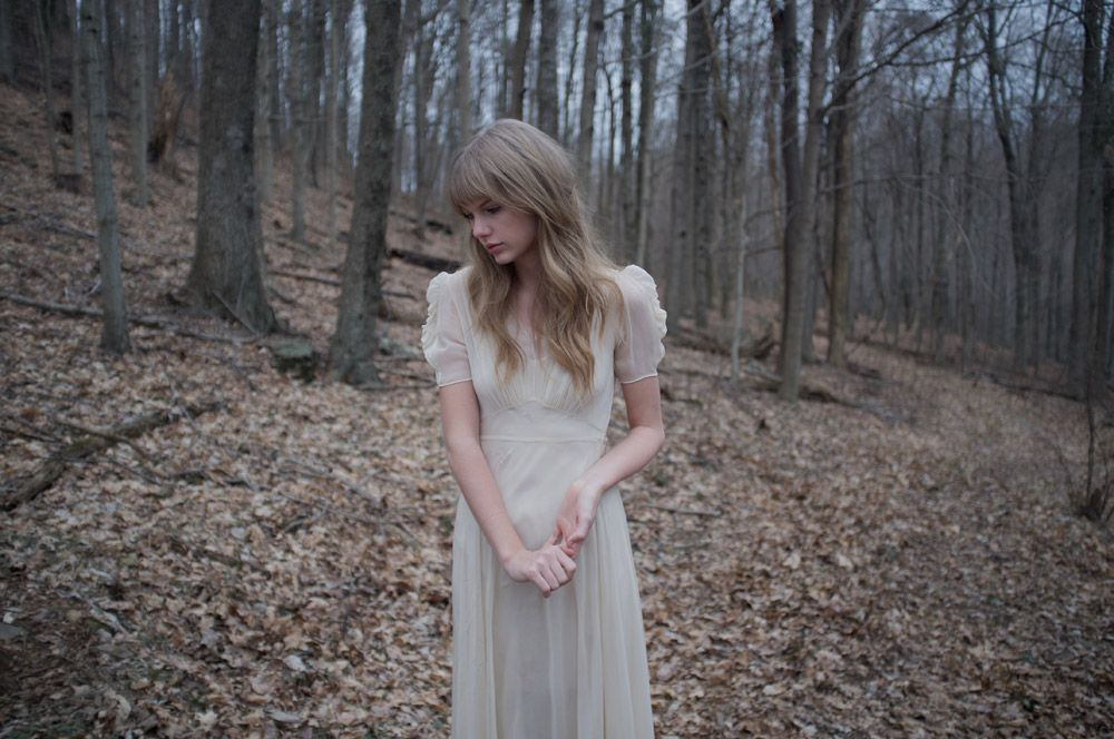 Philip Andelman Taylor Swift Safe And Sound 05 Jpg 1000 664 Taylor Swift Music Videos Taylor Swift Single Taylor Swift Red