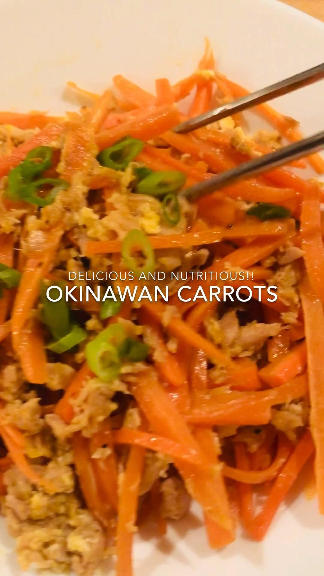 Carrots with tuna and egg, and  seasoned soy sauce, sesame oil, salt and pepper.  Super simple snd absolutely delicious!! #carrots #japanesefood