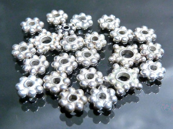 Alloy Charm Snowflake Daisy Loose Spacer Beads Jewelry Finding 7mm 100Pcs