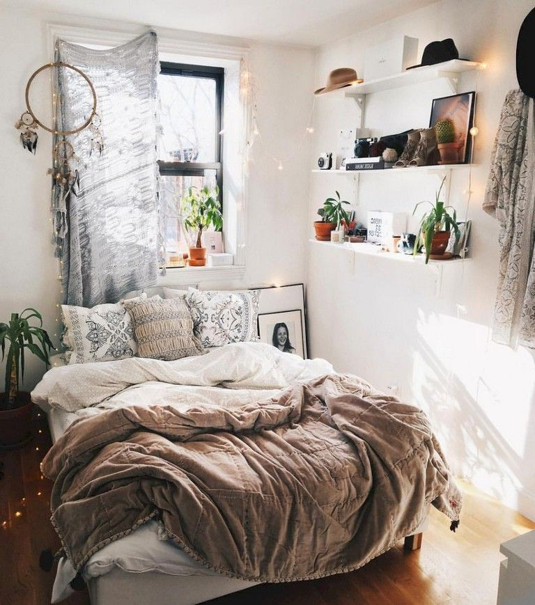 Best 40 Comfortable And Beauty Small Bedroom Decor Ideas 640 x 480