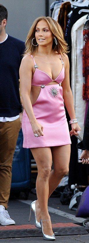 "Pink Mini-dress Arriving On ""American Idol"" set"