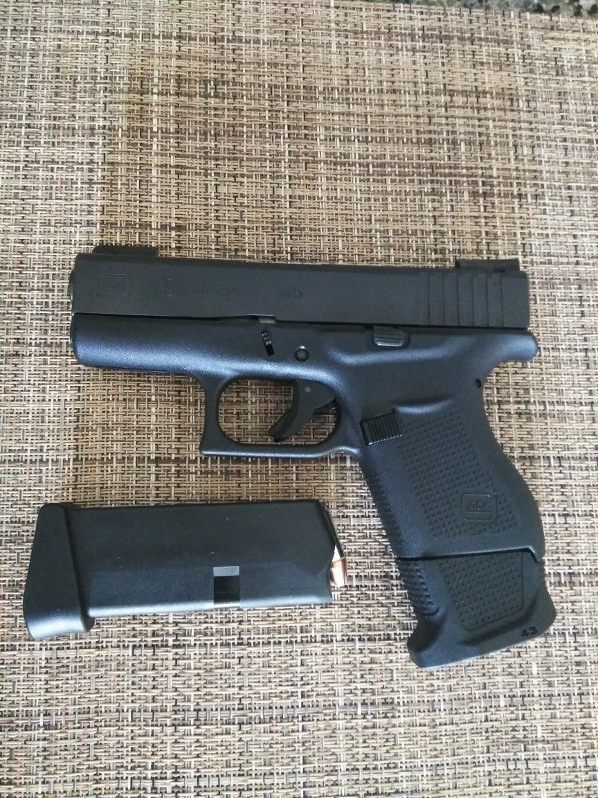 Free body piercing by glock  Glock  with Strike Industries  mag extension   EDC