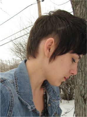 My New Favorite Haircut Thanks Steve From Floyd S 99 In Wicker Park Chicago Short Hair With Layers Winter Color Palette Short Hair Styles