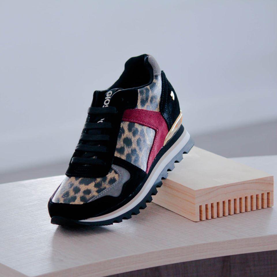 Sneakers con cuña interna para mujer Gioseppo Halmstad 56956
