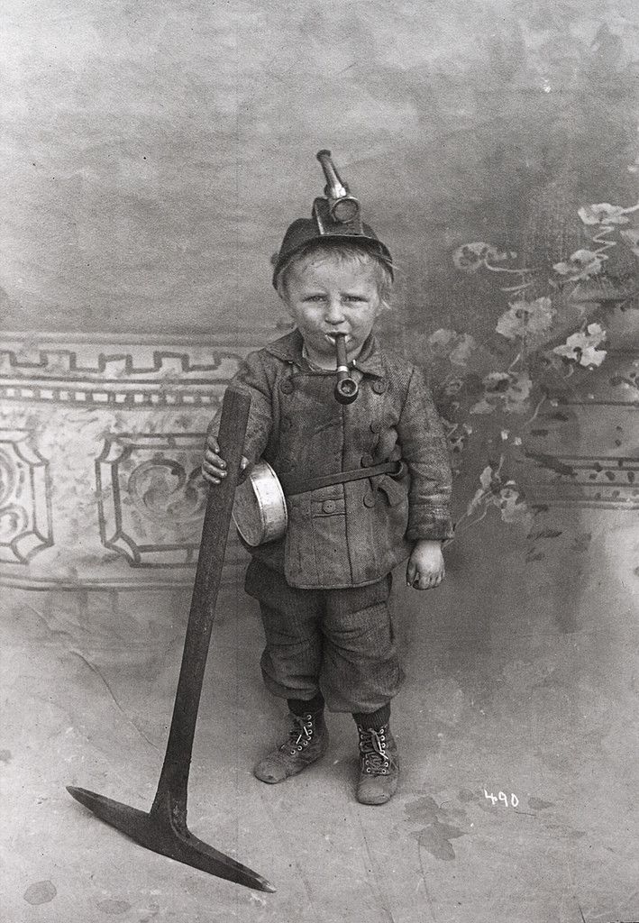 Photo of Eight year old coal miner, USA, early 1900's [709px × 1,024p…