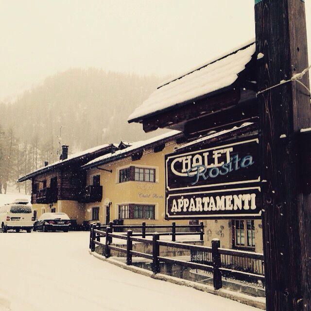 BUON GIORNO da #Livigno !  Le previsioni hanno annunciato che nevicherà 17 cm ! Speriamo ! E VOI COSA NE PENSATE ?   GOOD MORNING from #Livigno! The weather forecasts have announced that it will snow 17 cm! We Hope! AND YOU WHAT DO YOU THINK?  Visit www.livignolife.it