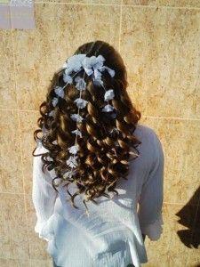 Peinados De Comunión Rizado First Communion Hairstyles Little Girl Hairstyles Girl Hairstyles