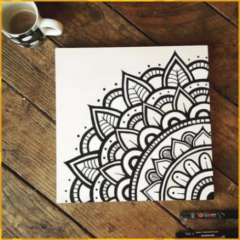 Flawless Black And White Mandala Drawing With Mark Black Drawing Flawles Flawless Black And White En 2020 Mandalas Arte Dibujos Con Marcadores Mandala Art