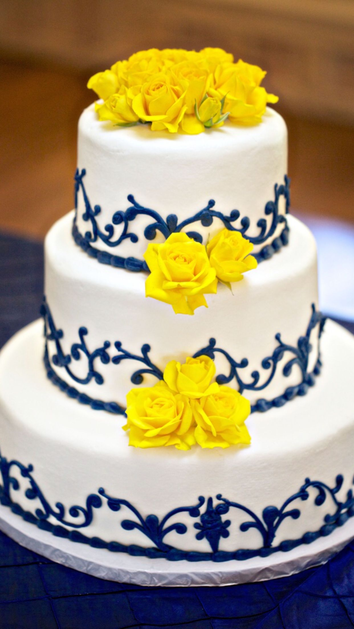 Favorite cake idea | Wedding stuff | Pinterest | Yellow weddings ...