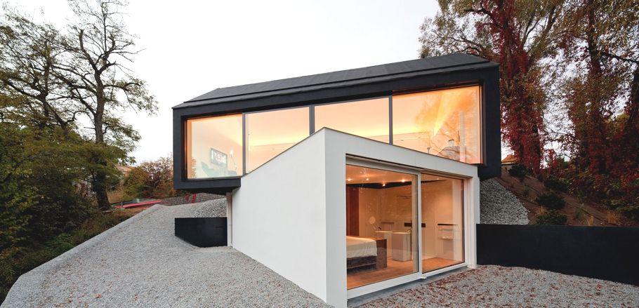 moderna casa de estructura de acero con amplias vistas sobre casas y fachadas