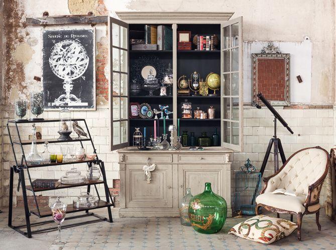 d co cabinet de curiosit s elle d coration cabinet de curiosit le on et la deco. Black Bedroom Furniture Sets. Home Design Ideas