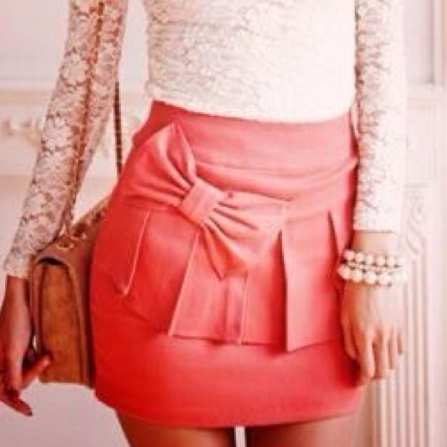 Lace top + Pink Skirt = Perfection<3 SO CUTE.