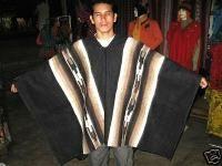 Schwarzer Herren #Poncho mit Inka Signs, #Alpakawolle