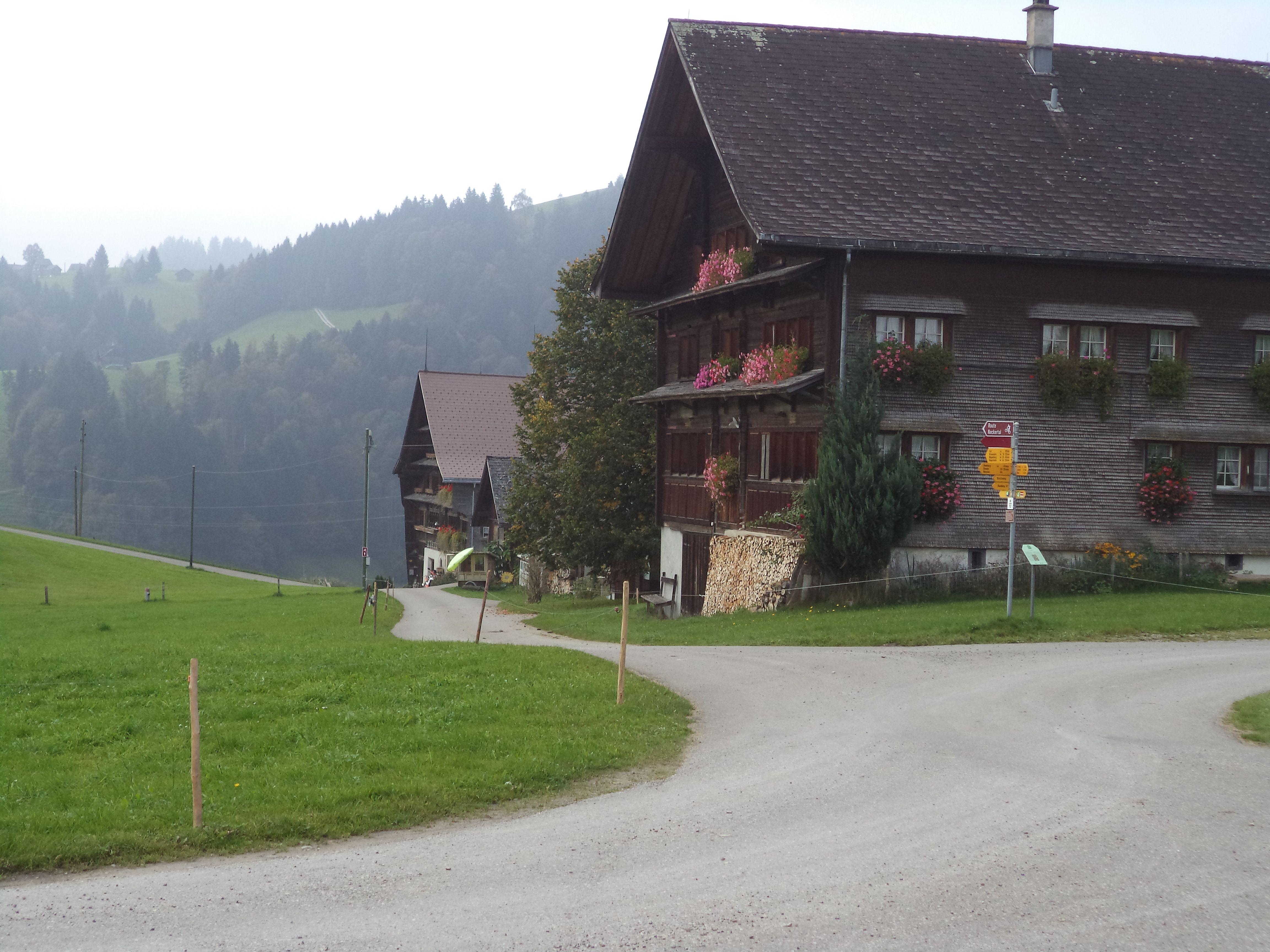 Etappe2 Herisau-Wattwil / malerisch Hofstetten